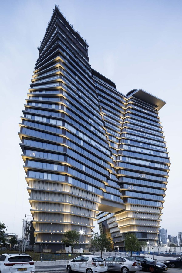 Totzeret HaAretz Tower(ToHA) 1: Ron Arad Associates / Ron Arad